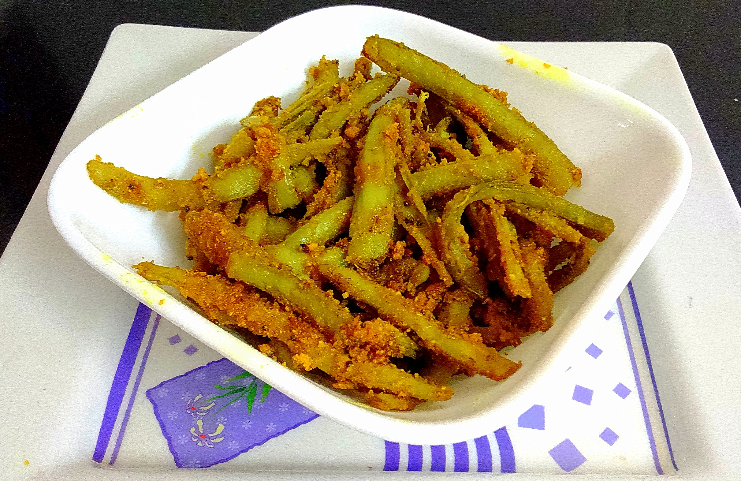 Dry guwar phalli/besani guwar phalli(Cluster beans without onion and garlic)