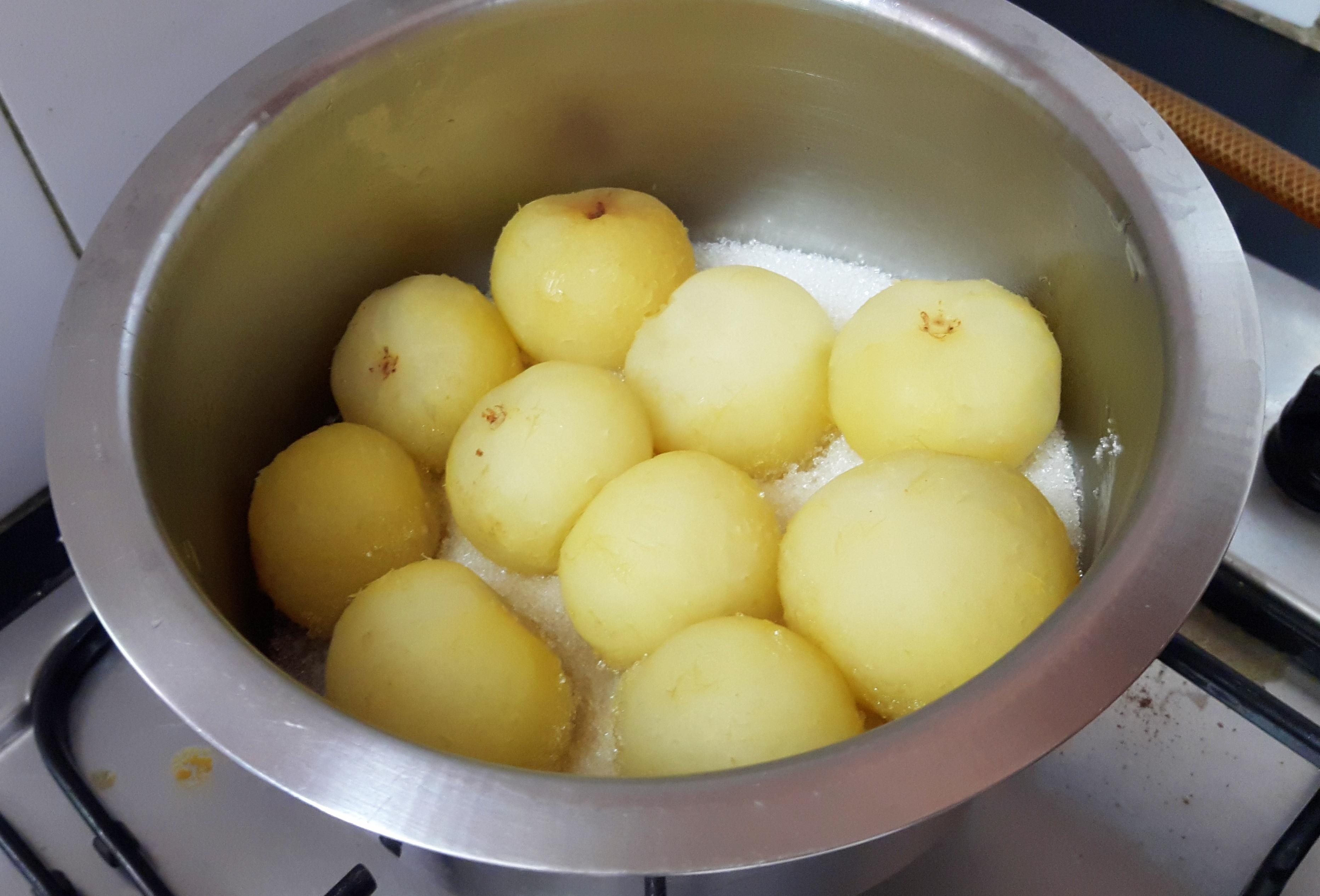 put half quantity of sugar then layer the anwala